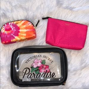 NWOT 3 piece VS nestled makeup bag set